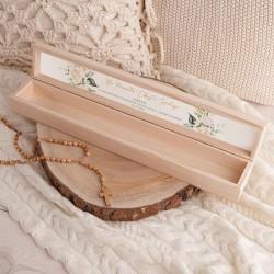 PUDEŁKO drewniane na świecę do Chrztu Z IMIENIEM Białe Kwiaty