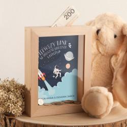SKARBONKA drewniana na prezent z szybką Z IMIENIEM Astronauta