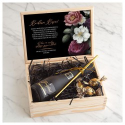 PREZENT na 18,30,40 urodziny w skrzyni Z IMIENIEM z winem Cava