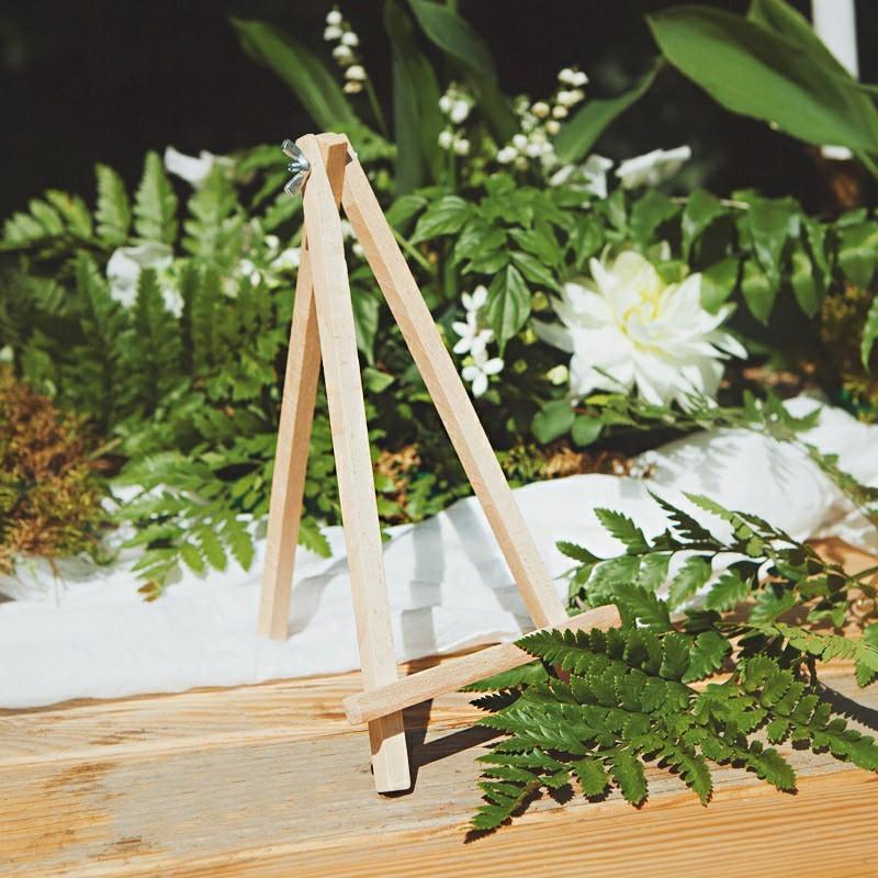 Drewniana sztaluga do dekoracji stolików