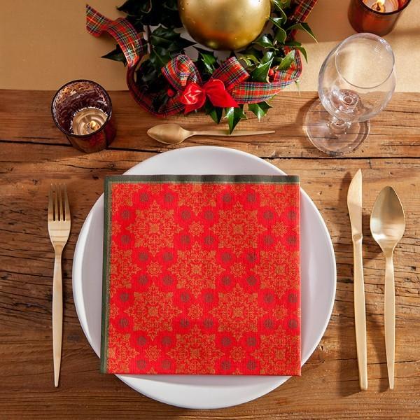 Klasyczne serwetki na Boże Narodzenie w odcieniach czerwieni