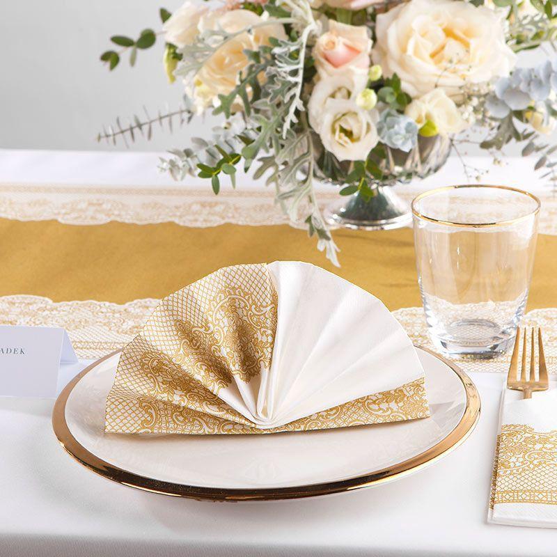 Serwetki flizelinowe ze złotym wzorem