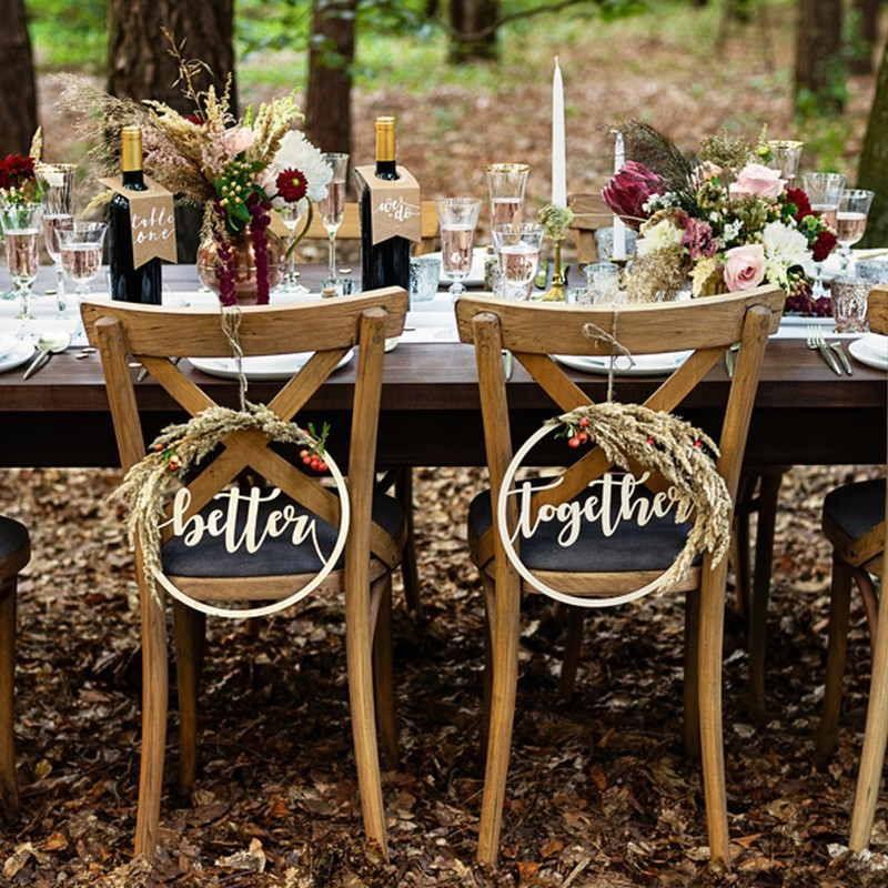 drewniane zawieszki na krzesła weselne