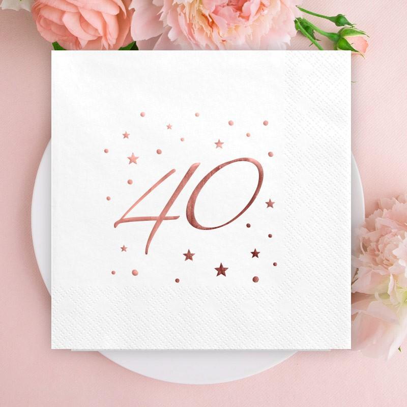 Białe serwetki z napisem rosegold na 40 urodziny