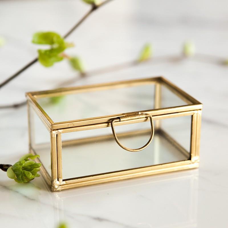 Szklana szkatułka na obrączki