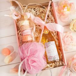 PREZENT na 18 urodziny Box Z IMIENIEM Wino+makaroniki mydełka LUX