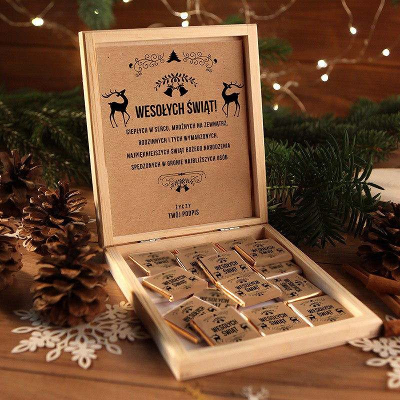 Firmowy prezent świąteczny w pudełku z czekoladkami