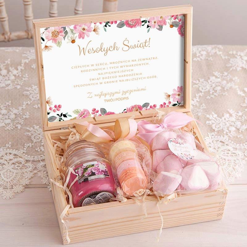 Świąteczny prezent dla kobiety w drewnianym pudełku