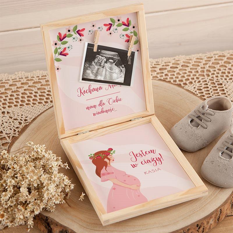 Drewniane pudełko na zdjęcie USG z informacją o ciąży