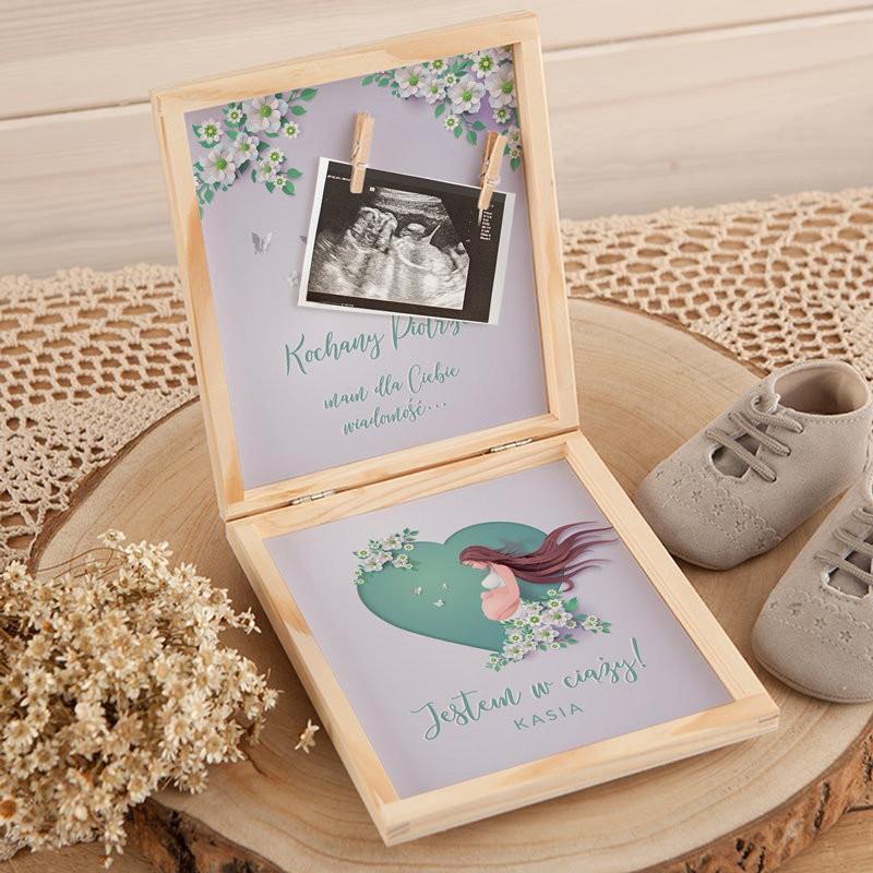 Pudełko z informacją o ciąży oraz miejscem na zdjęcie USG