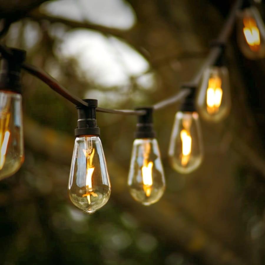 Lampki LED - dekoracja ślubna