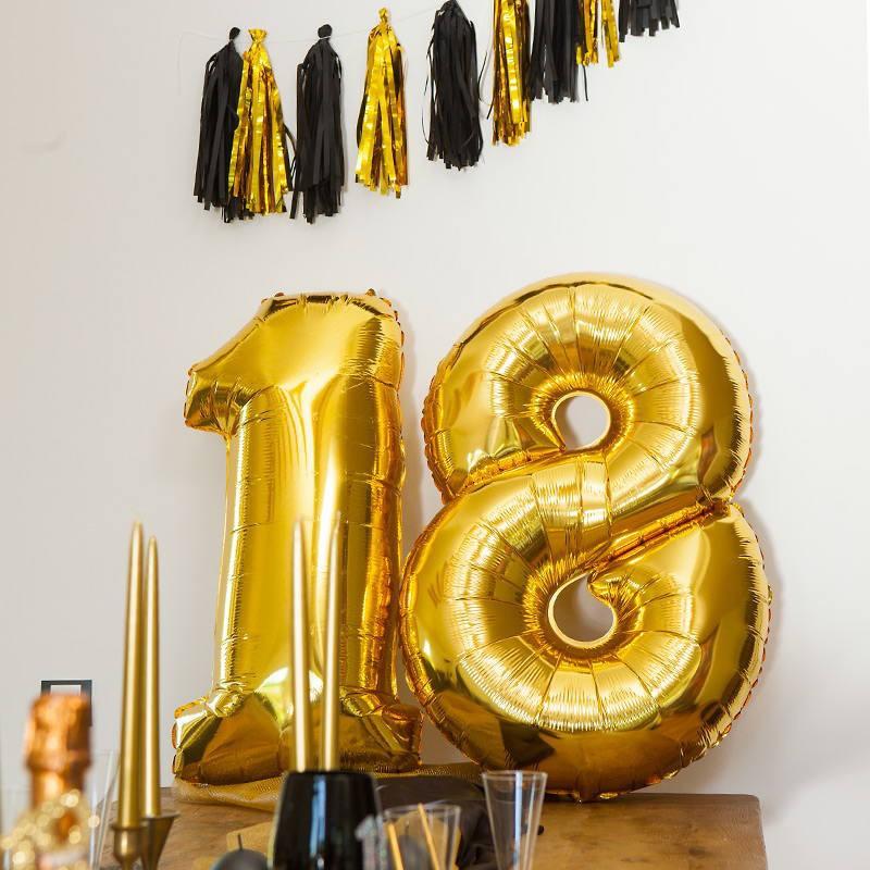 Balony cyferki na 18 urodziny
