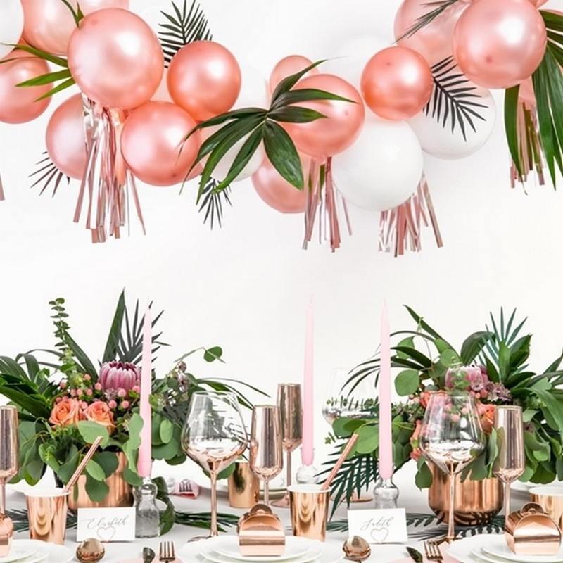 Balony w odcieniu rosegold do dekoracji wnętrza