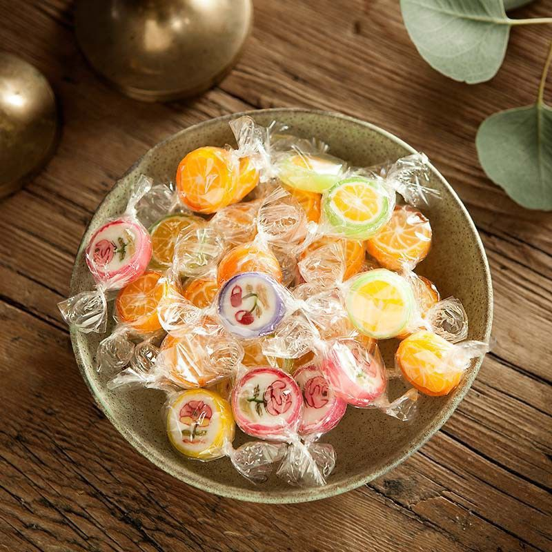 Kolorowe cukierki do słodkiego bufetu na Baby Shower