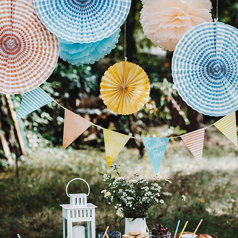 Kolorowe rozety do ogrodu w letnich kolorach