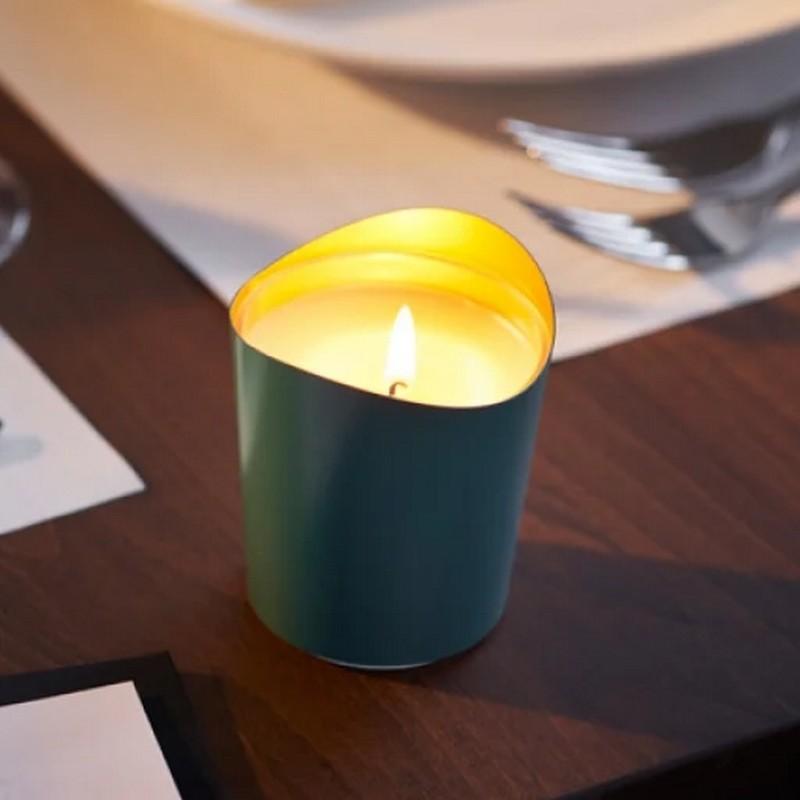 Ciemnozielony świecznik na tealighty do restauracji