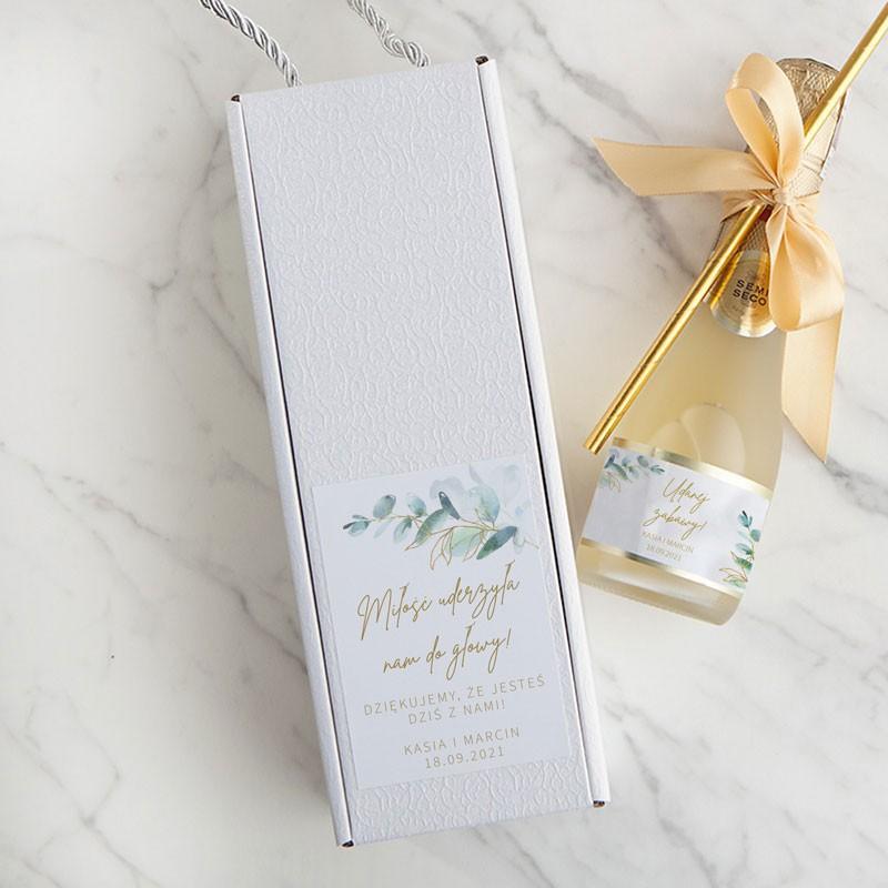 Mini butelka wina musującego w pudełku z imionami Pary Młodej i datą