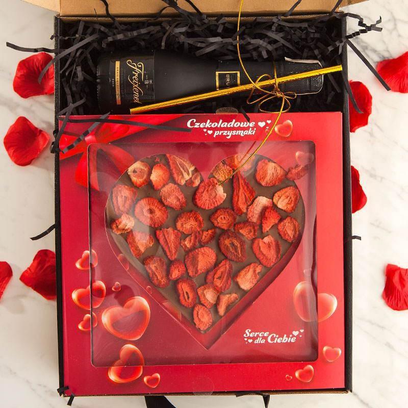 Personalizowany prezent z winem i dużą czekoladą dla Pary Młodej