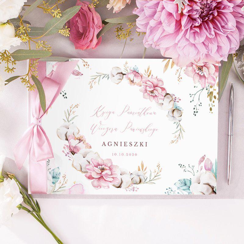 Księga pamiątkowa na Wieczór Panieński z różowymi kwiatami