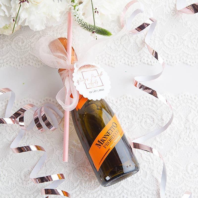 Mini wino musujące ze słomką i personalizowanym bilecikiem na Panieński