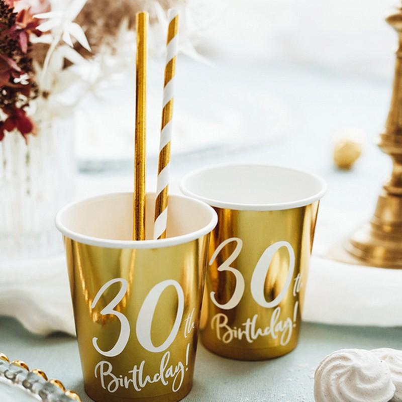 Złote kubeczki na 30 urodziny