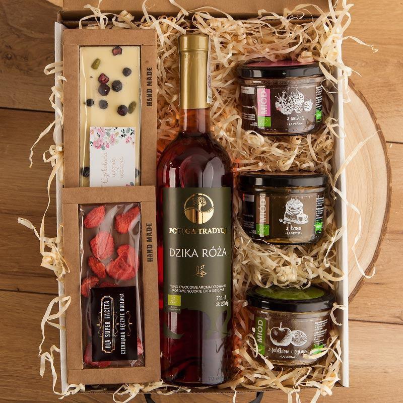 Eko zestaw prezentowy na rocznicę z winem z dzikiej róży