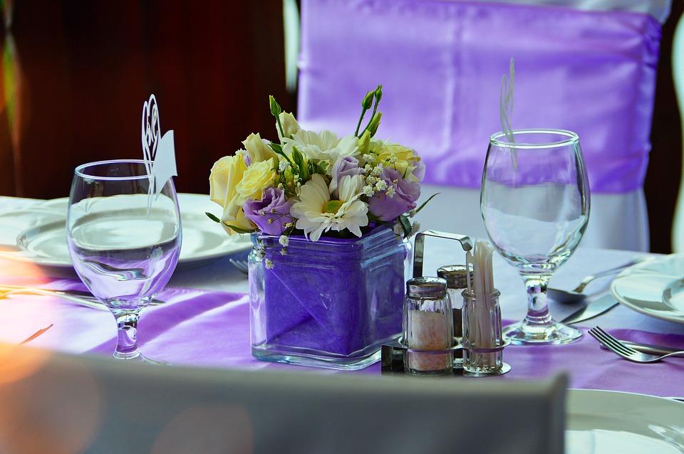 Organza fioletowa dekoracja dla restauracji