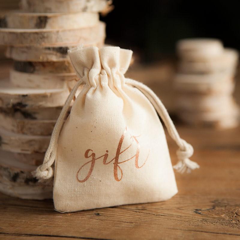 Bawełniane woreczki z napisem gift